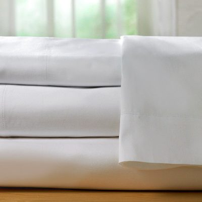 folded bed sheets show fabric quality