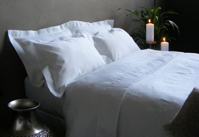 yin yang flax linen cotton linen bedding luxury with candles