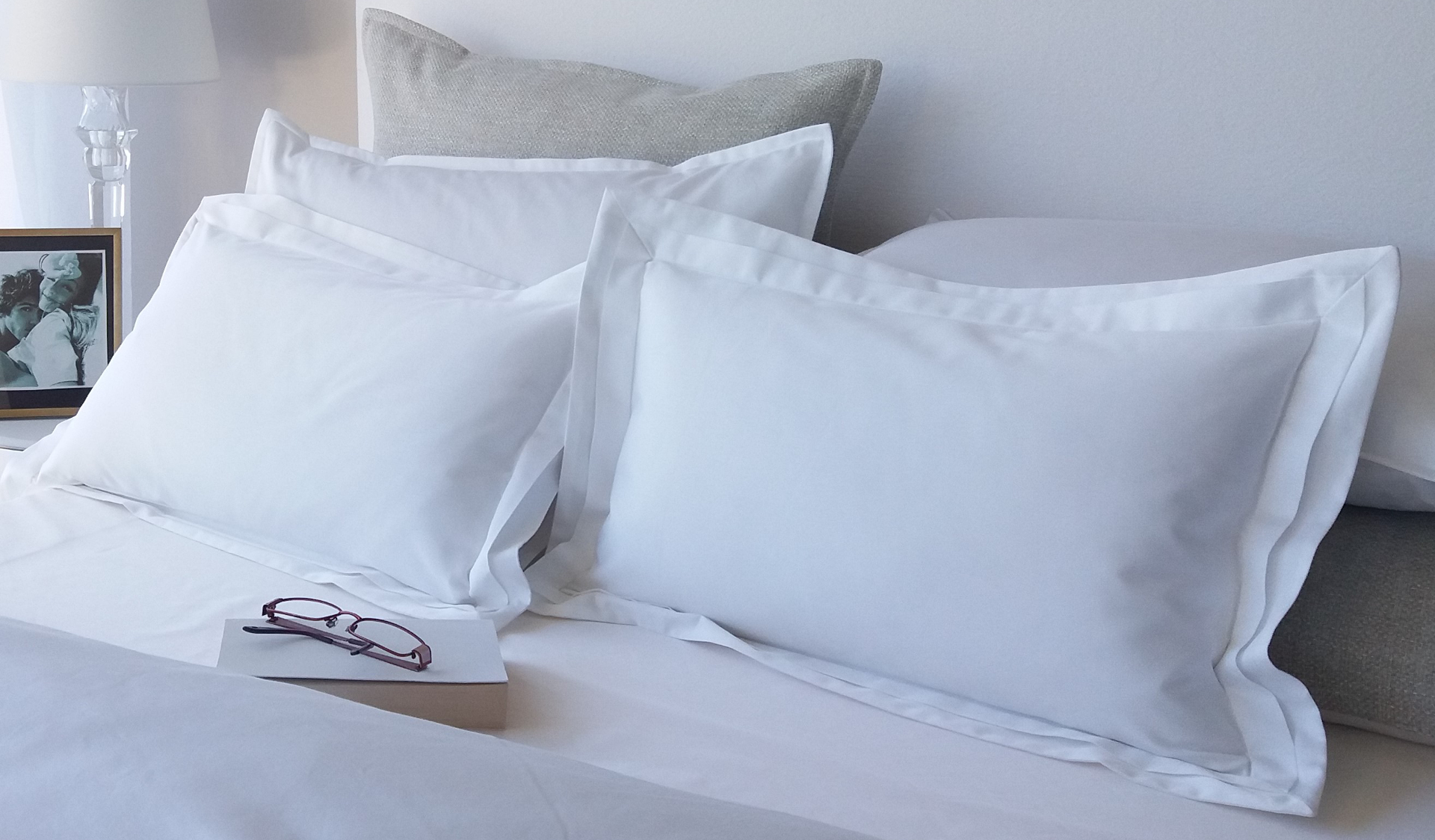 Signature Collecton Egyptian Cotton 800 thread count white bed linen